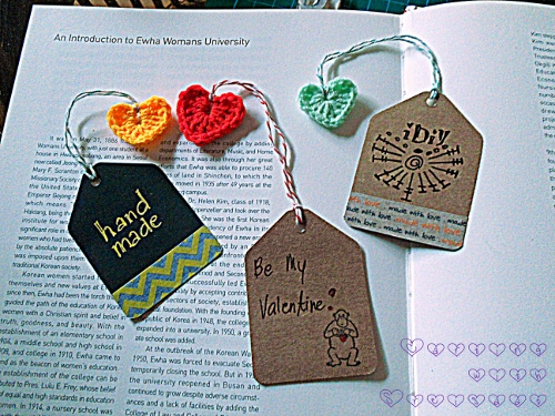 crochet mini hearts bookmarks
