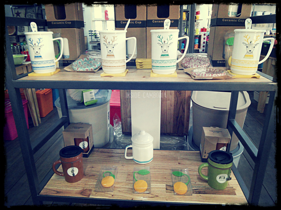 Pretty coffee mugs and tea infusers.