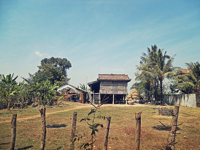 A charming wooden house commonly found in the countryside.